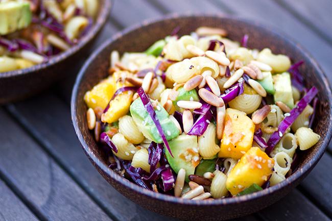 Rezept-Asiatischer-Nudelsalat-Simply-Vegan-veganverlag