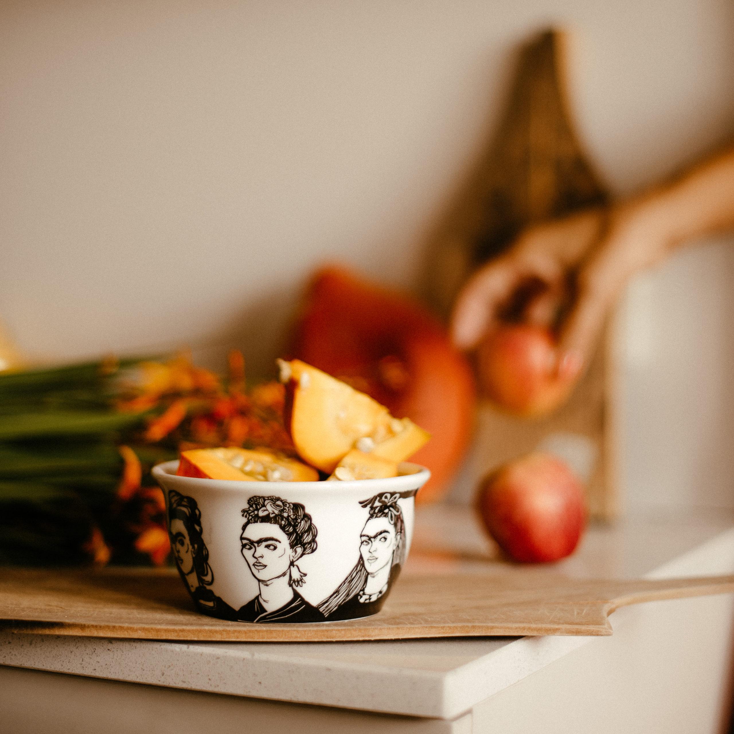 FRIDA, daughter of the revolution, 37cl bowl