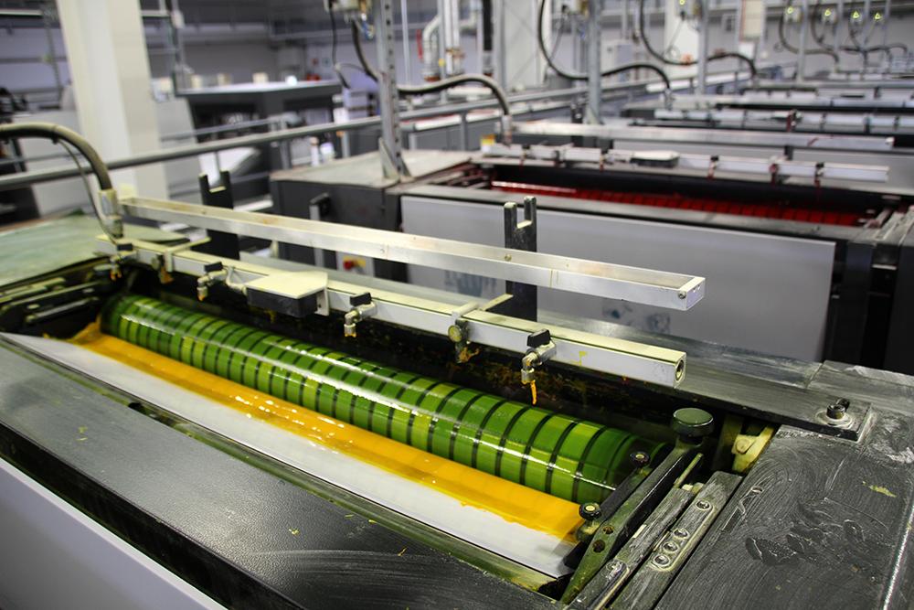 Druckpartner oeding GmbH in Braunschweig beim Drucken unserer Bücher.
