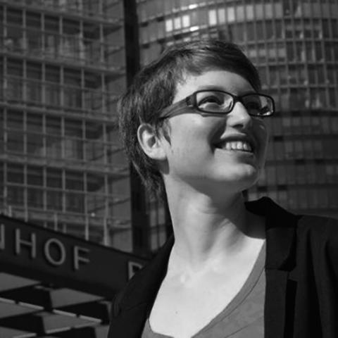 """Sarah Gebhardt, Co-Autorin von """"Vegan in anderen Umständen"""" und """"Vegan für unsere Sprösslinge"""""""